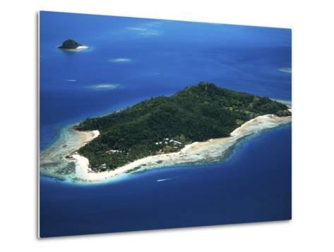 Castaway Island Resort, Mamanuca Islands, Fiji-David Wall-Metal Print