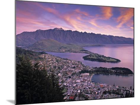 Queenstown, Lake Whakatipu, New Zealand-Doug Pearson-Mounted Photographic Print