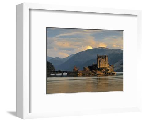 Eilean Donan Castle, Western Highlands, Scotland-Gavin Hellier-Framed Art Print
