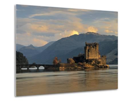 Eilean Donan Castle, Western Highlands, Scotland-Gavin Hellier-Metal Print