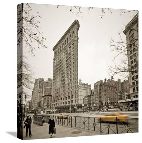 Flatiron Building, Fifth Avenue and Broadway, New York City, USA-Alan Copson-Stretched Canvas Print