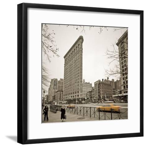 Flatiron Building, Fifth Avenue and Broadway, New York City, USA-Alan Copson-Framed Art Print
