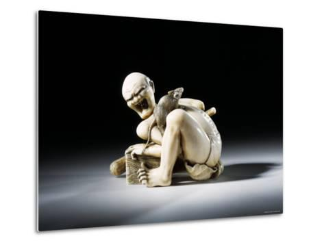 Netsuke Figure of the Thwarted Rat Catcher in Carved Ivory, 19th Century--Metal Print