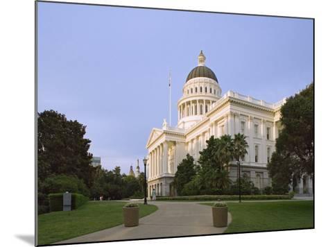 State Capitol Building, Sacramento, California-Dennis Flaherty-Mounted Photographic Print