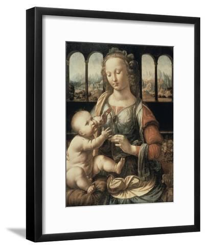 Madonna of the Carnation-Leonardo da Vinci-Framed Art Print