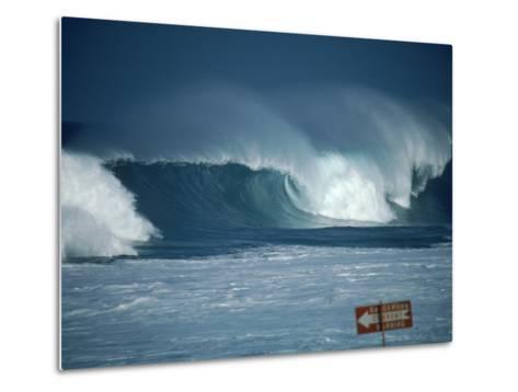 Crashing Waves, Oahu, Hawaii-Bill Romerhaus-Metal Print