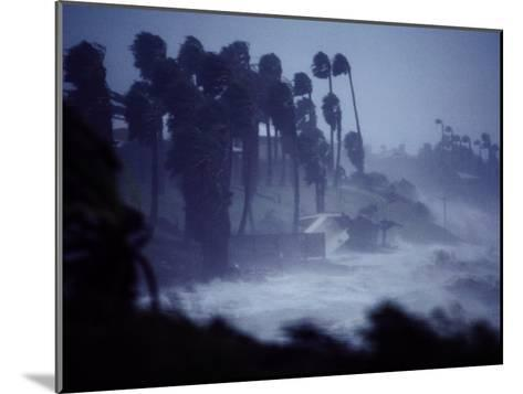 A Hurricane Lashes the Coast Near Corpus Christi-Annie Griffiths Belt-Mounted Photographic Print