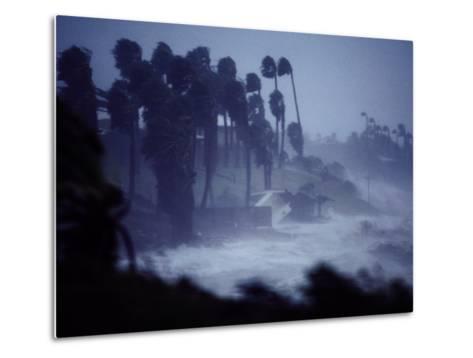 A Hurricane Lashes the Coast Near Corpus Christi-Annie Griffiths Belt-Metal Print