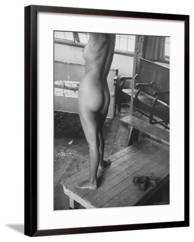 Close Up of Female Nude Model in Life Drawing Class at the Skowhegan School of the Arts-Gjon Mili-Framed Art Print