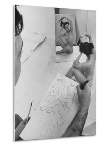 David Fredenthal Drawing Nude Model-Gjon Mili-Metal Print