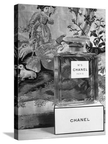 Close Up of Perfume Bottle-Hans Wild-Stretched Canvas Print