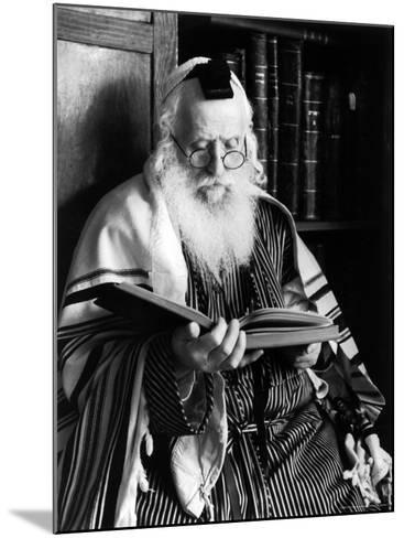 Rabbi Joshua Heshil Holtovski, Leader of the Karlin Chassidic Sect, Praying-Alfred Eisenstaedt-Mounted Photographic Print