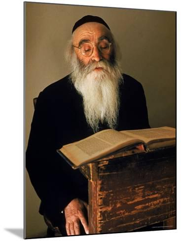 Rabbi Reading the Talmud-Alfred Eisenstaedt-Mounted Photographic Print
