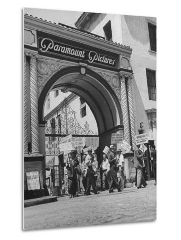 View of Picket Lines in Front of Paramount Studios During a Set Directors Strike-Martha Holmes-Metal Print
