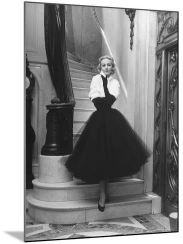 Short Wrap, Worn with Short Ball Gowns, Showing Off the Wearer's Waist-Nina Leen-Mounted Photographic Print