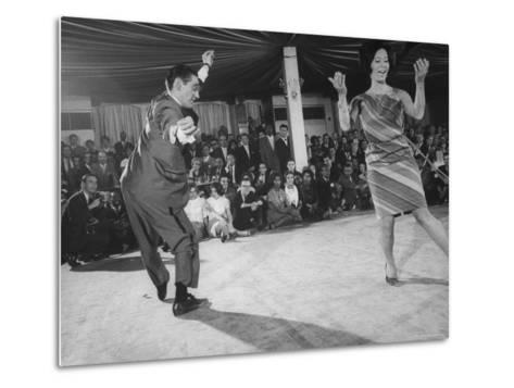 "People Dancing the ""Pachanga""-Yale Joel-Metal Print"