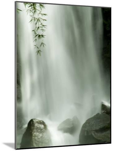 Close View Vertical of Trafalgar Falls Hitting the Rocks Below-Todd Gipstein-Mounted Photographic Print