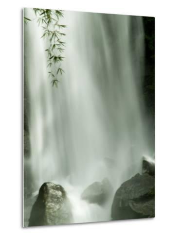 Close View Vertical of Trafalgar Falls Hitting the Rocks Below-Todd Gipstein-Metal Print