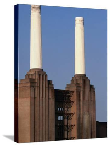 The Battersea Power Plant - London, England-Doug McKinlay-Stretched Canvas Print