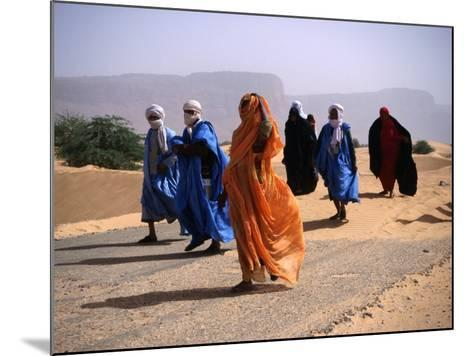 Local People Travel the Road Between Nouadhibou and Mouackchott, Mauritania-Jane Sweeney-Mounted Photographic Print