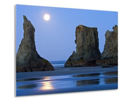 Moon Setting on Bandon Beach, Oregon, USA-Joe Restuccia III-Metal Print