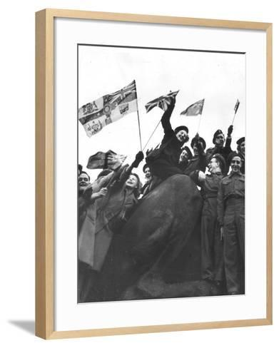 V Day Celebrations in Trafalgar Square London, 1945--Framed Art Print