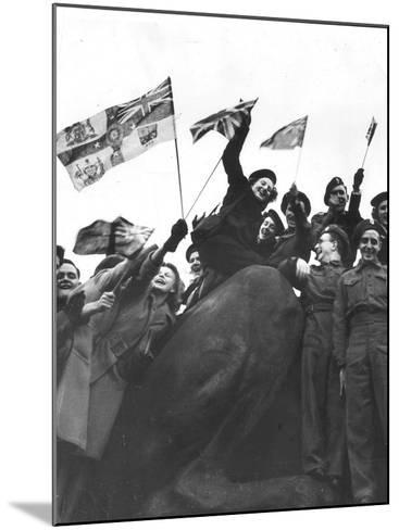 V Day Celebrations in Trafalgar Square London, 1945--Mounted Photographic Print