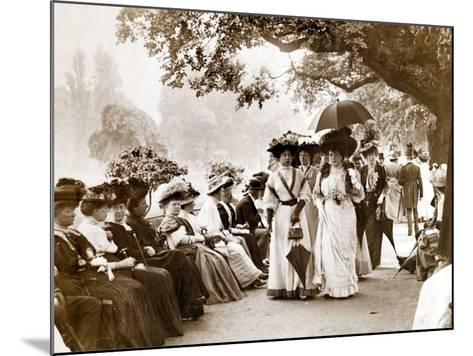 Ladies of Edwardian Society Take a Stroll in Hyde Park, 1905--Mounted Photographic Print