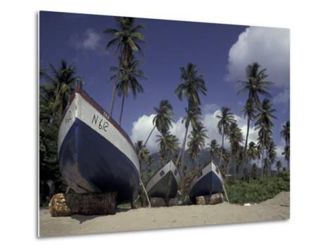 Boat on Pinney Beach, Nevis, Caribbean-Robin Hill-Metal Print