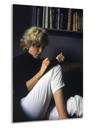 Marilyn Monroe Writing at Home-Alfred Eisenstaedt-Metal Print