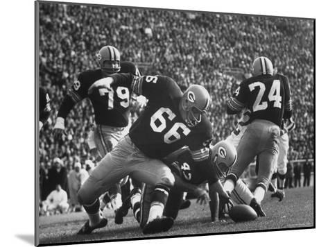 Green Bay Packers Playing a Game-George Silk-Mounted Premium Photographic Print