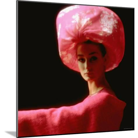 Studio Picture of Model clothing by Pierre Cardin for His 1962 Collection-Paul Schutzer-Mounted Photographic Print