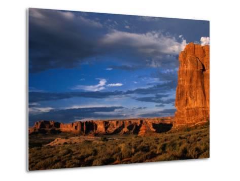 """""""Entrada"""" Sandstone Cliffs and Desert Landscape, Arches National Park, USA-Brent Winebrenner-Metal Print"""