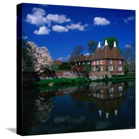 Oast Houses on the River Medway, Yalding Near Maidstone, Kent, England-David Tomlinson-Stretched Canvas Print