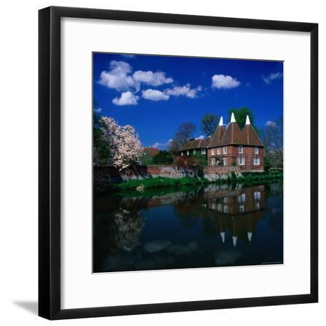 Oast Houses on the River Medway, Yalding Near Maidstone, Kent, England-David Tomlinson-Framed Art Print