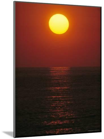 A Golden Sunset on the Water-Raul Touzon-Mounted Photographic Print