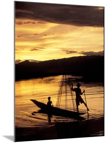 Intha Fisherman Rowing Boat With Legs at Sunset, Myanmar-Keren Su-Mounted Photographic Print