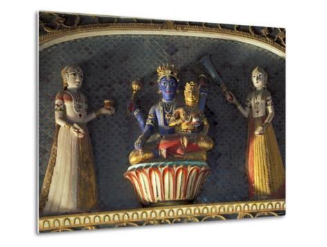 Hindu gods Vishnu and Laxmi in Half Moon Palace, India-John & Lisa Merrill-Metal Print