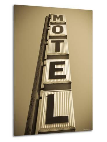 USA, Illinois, Route 66, Broadwell, Old Motel Sign-Alan Copson-Metal Print