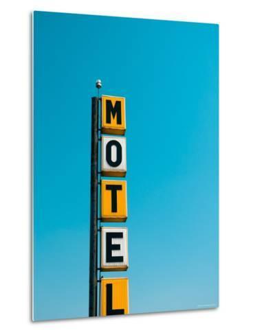 USA, Illinois, Route 66, Broadwell, Old Motel Sign-Alan Copson-Metal Print