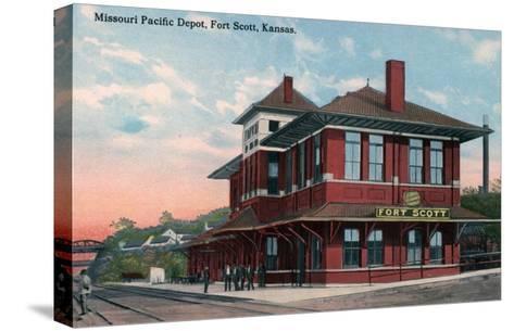 Fort Scott, Kansas - Missouri Pacific Railroad Depot-Lantern Press-Stretched Canvas Print
