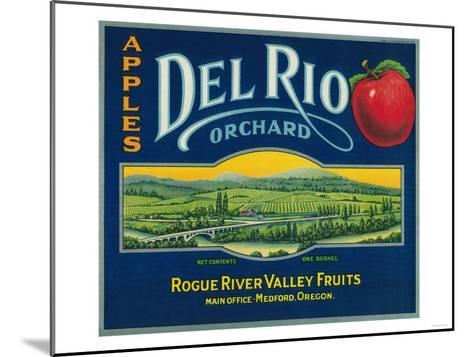 Del Rio Apple Crate Label - Medford, OR-Lantern Press-Mounted Art Print