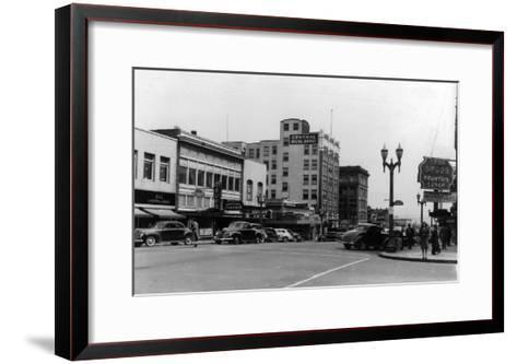 Street Scene, View of Ekho Drugstore - Everett, WA-Lantern Press-Framed Art Print