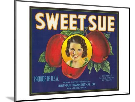 Sweet Sue Apple Label - Wenatchee, WA-Lantern Press-Mounted Art Print
