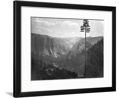Yosemite National Park, Yosemite Valley Photograph - Yosemite, CA-Lantern Press-Framed Art Print