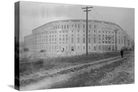 Yankee Stadium Baseball Field Photograph - New York, NY-Lantern Press-Stretched Canvas Print