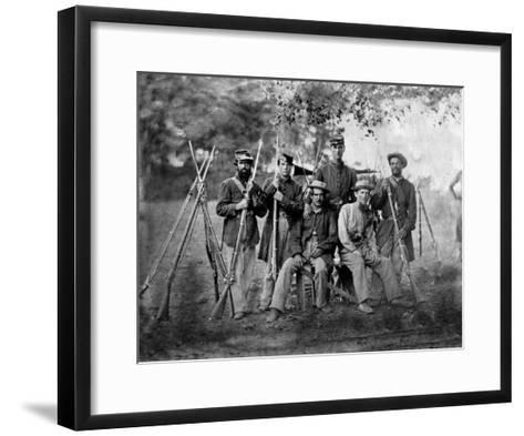 Group of Soldiers, Civil War-Lantern Press-Framed Art Print