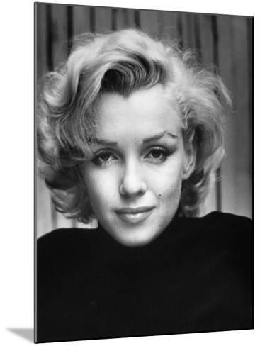Portrait of Actress Marilyn Monroe at Home-Alfred Eisenstaedt-Mounted Premium Photographic Print