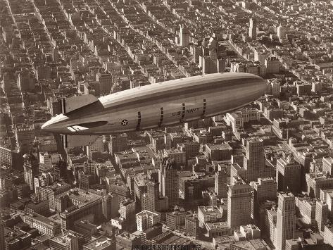 USS Macon, San Francisco, 1933-Clyde Sunderland-Stretched Canvas Print