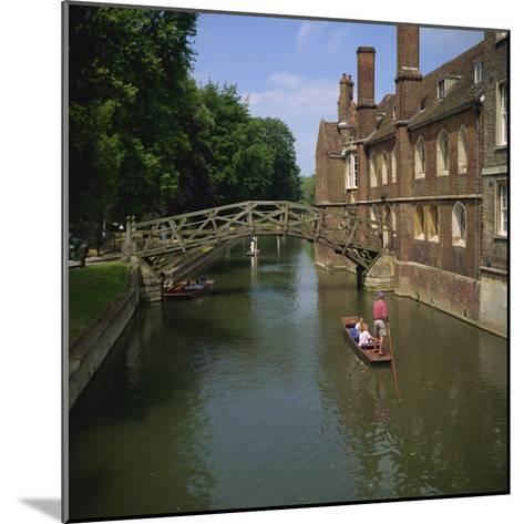 Queens College and Mathematical Bridge, Cambridge, Cambridgeshire, England, United Kingdom, Europe-Roy Rainford-Mounted Photographic Print